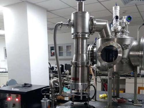 常温大间距高真空混合气体针板放电试验装置